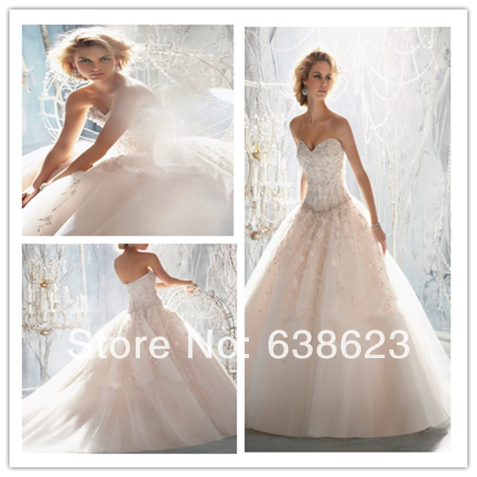 AW671 Free Shipping lace Appliqued Ivory Dream Wedding Dress(China (Mainland))