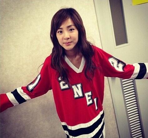 2NE1 Kpop Clothes Hoodie 2NE1 Park Spring Roommate Same Paragraph Sweatershirt 2NE1 Kpop Sweatshirt Hoodie 2NE1 Kpop Shirt(China (Mainland))