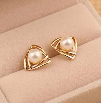 LZ Jewelry Hut E466 The 2014 New Fashion Retro Woman Korea Glossy Smooth Pearl Earrings For Women(China (Mainland))