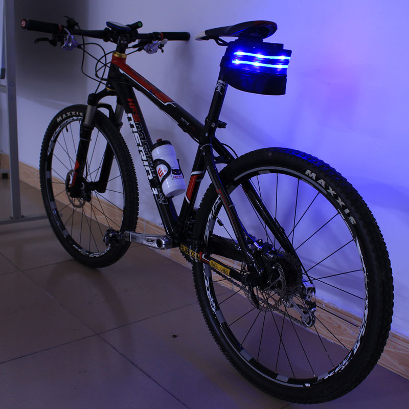 DHL Free Shipping! 20pcs Hot sale LED Light Cycling Outdoor Pouch Flashing Bike Seat Bag-6 Led light with USB Rechargeable(China (Mainland))