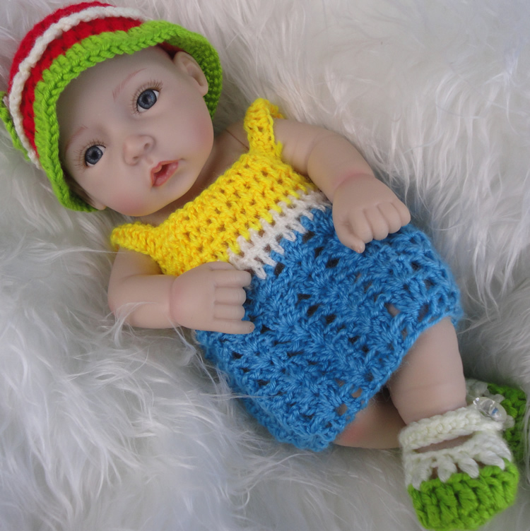 12Inch Reborn Baby Doll Full Vinyl Baby Toy Collection Doll Reborn Top Popular Princess Girl Doll Wearing Knitted Colorful Dress(China (Mainland))