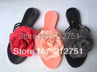 2015 Hot Slippers Summer Sandals Big Flowers Pinch Flat Jelly Shoes Procrastinate Three Color Size 40