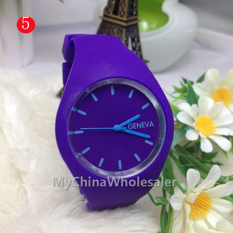12 Colors 2015 New Gift Watch Round Flat Whole Design Silicone Analog Watch Fashion Men Women Ladies Girls Boys Quartz Watches(China (Mainland))