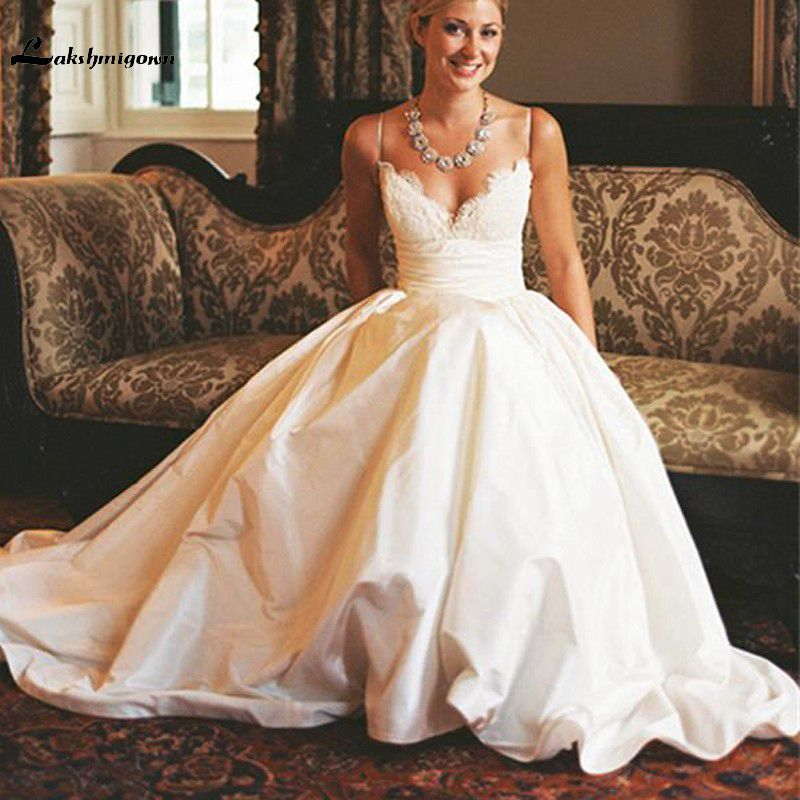 popular designs v neck wedding dresses 2017 speghetti sexy back court train vestido de noivas de renda princesa custom made