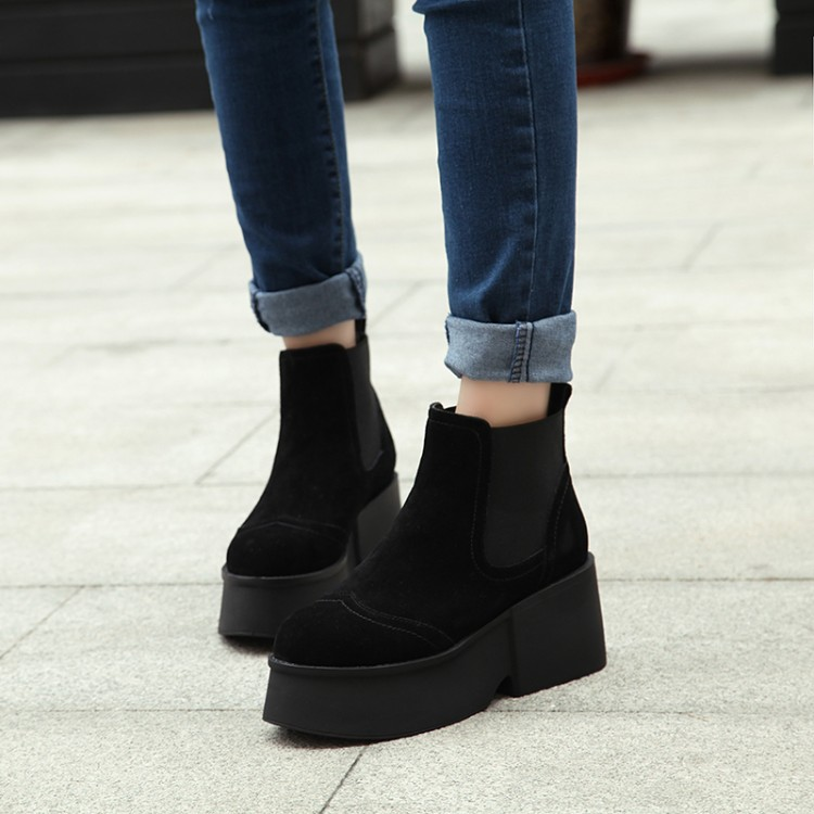 2016 New Women Boots Solid Round Toe Platforms Martin Ankle Boots Casual Fashion platform Shoes Woman Black, brown Size 35-39