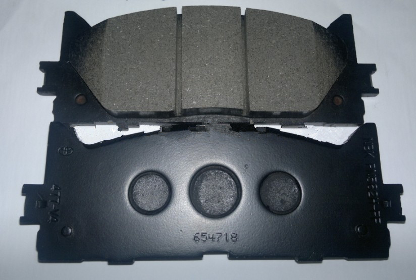 Auto Spare Part Resistant Brake Pad for Toyota 04465-60280(China (Mainland))