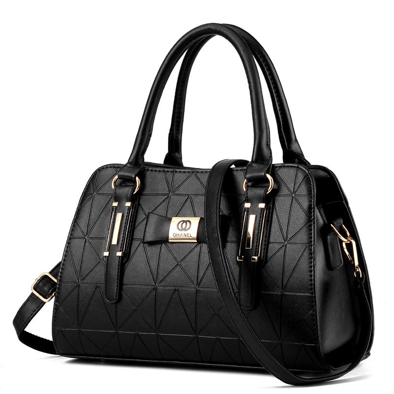 Famous Designer Purses New 2016 Women Fashion Diamond Lattice Metal Logo Handbags Shoulder/Messenger(China (Mainland))