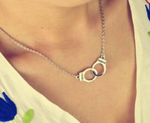 New Fashion jewelry Handcuffs choker pendant necklace Women Girl lover Valentine s Day gifts N1577