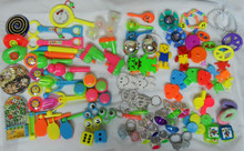 MEGA DELUXE TOY ASSORTMENT (250 PIECES) PINATA PARTY LOOT BAG FILLERS LUCKY - novelty birthday party favors gift toy prize(Hong Kong)