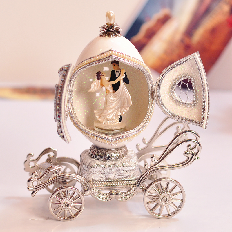 Romantic Royal Family Eggs Carving Cutout Carriage Music Box Wedding Souvenir Gifts Birthday