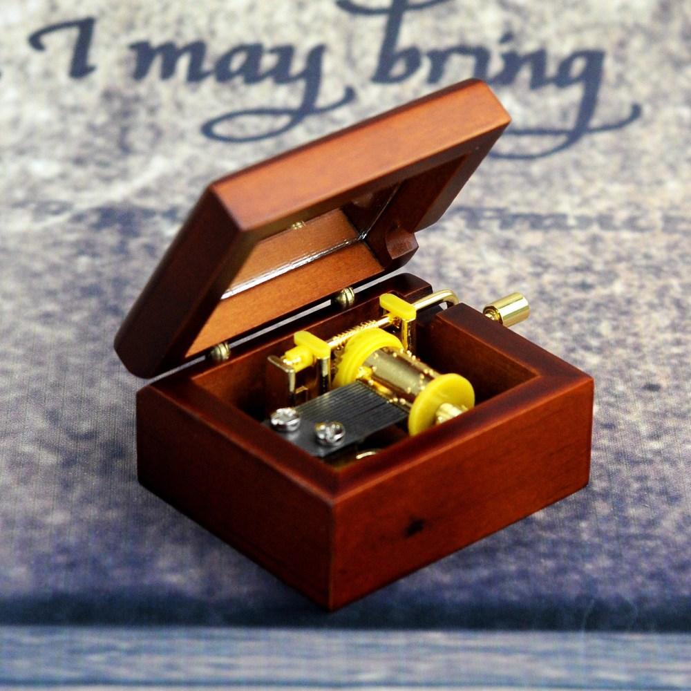 A music box - wooden crafts - Christmas gift - small craft products -- mini music box wholesale(China (Mainland))