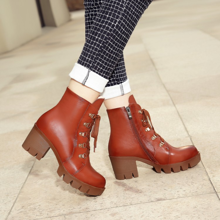 Фотография women Motorcycle boots 2016 winter square high heels ankle boots lace-up platform fashion shoes women Black, brown Short boots