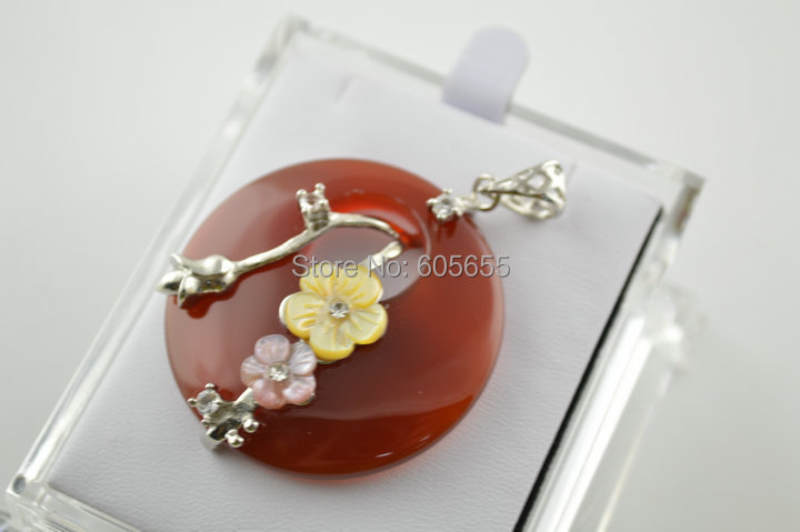 Red Carnelian Agate Round Donut Stone Pendant with shell Flower Flower Branch Beads covered(China (Mainland))