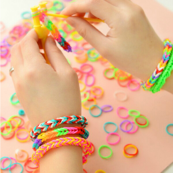 Fashion 15Grids 13 Colourful Creative Rubber Bands DIY Loom Bands Kit Set For Loom Bracelets Kids Education Toy Free Shipping(China (Mainland))