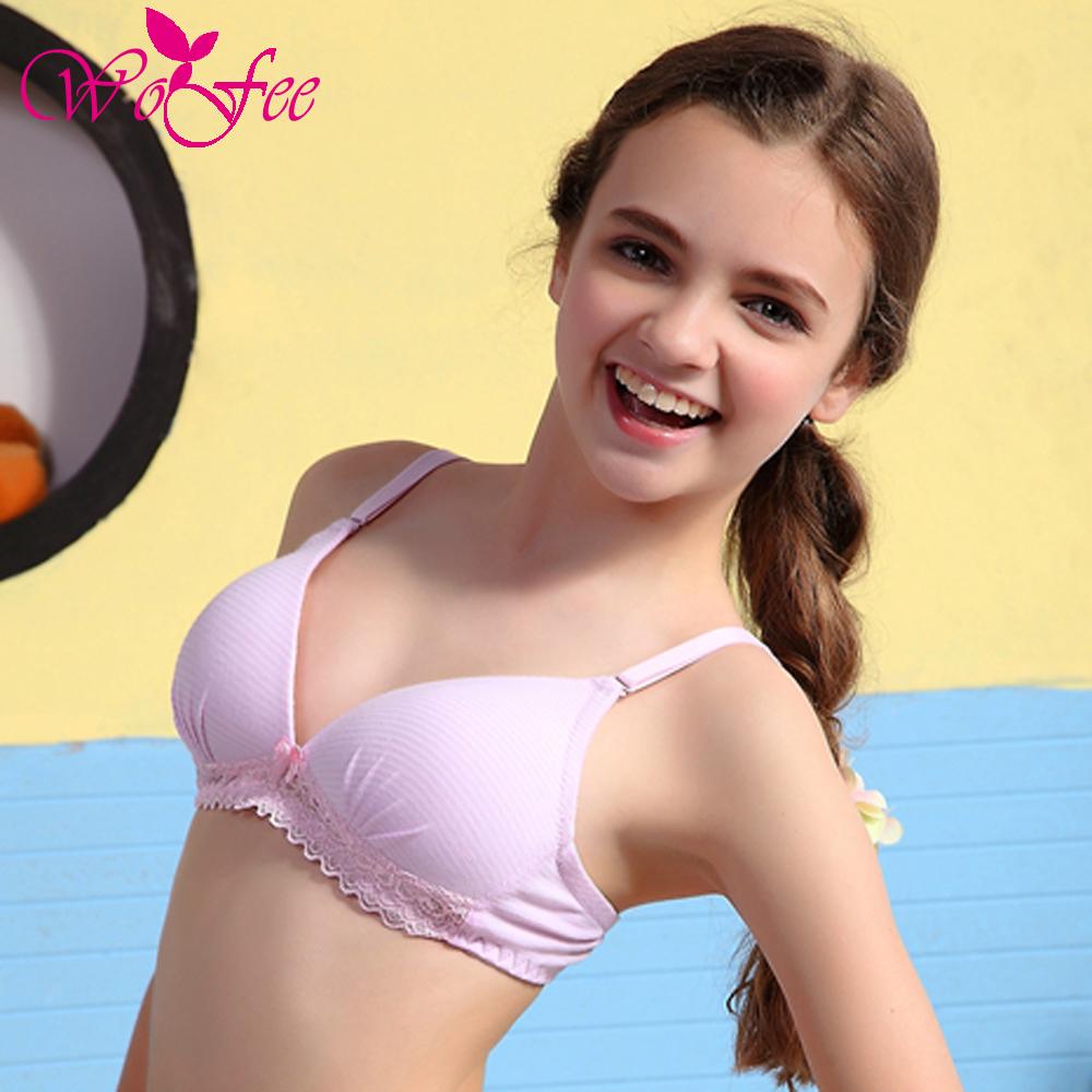 Teenage girls without bra