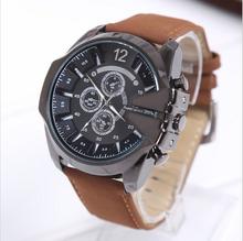 2015 nuevo V6 correa de cuero a estrenar del reloj de tres ojos reloj deportes moda hombres de cuarzo relojes Casual oro relojes de pulsera horas regalos