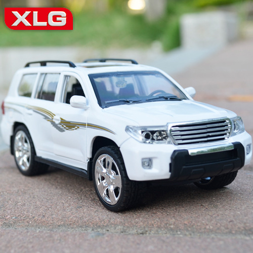 HOT SALE Toyota Land Cruiser 1:24 Original car model SUV Toy Luxury cars Classic cars Collection Birthday gift(China (Mainland))