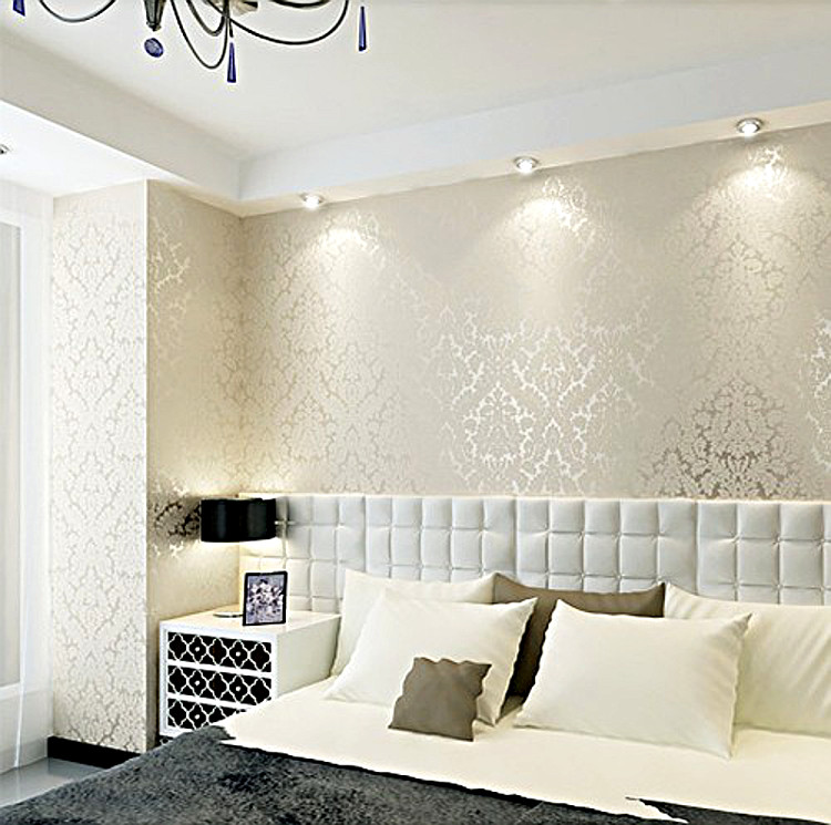Classic Damask Metallic Wallpaper Beige And Pearly White Shimmer Feature Glitter Wall Paper Wallcovering(China (Mainland))