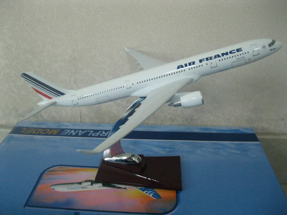 31CM AIR FRANCE A330 ,31CM Resin airplane models free shipping(China (Mainland))