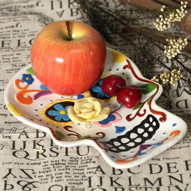 Skull fruit plate hand painting plate ceramic dish salad plate wall decoraton home deco Halloween deco gift(China (Mainland))