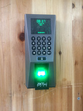 Central control F18 fingerprint machine with credit card password networking