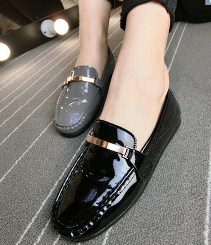 Spring new Korean patent leather PU square head flat shoes boat shoes Fashion Women driver shoes moccasins Black casual loafers(China (Mainland))