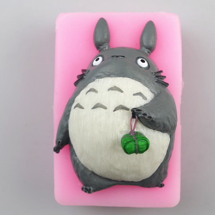 Wholesale freeshipping My neighbor totoro handmade soap silicon mould cake decoration mold clay mold ice mold cake tool(China (Mainland))