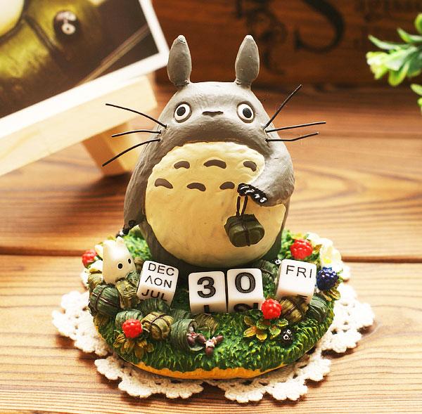Kawaii Miniature Fairy Figurines Statuettes Hayao Miyazaki Totoro Calendar Car&Desk Resin Crafts Dolls(China (Mainland))