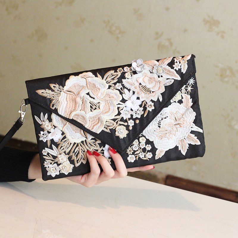 2016 women bag hot hand evening bags new embroidery flower pattern flowers wedding dinner bags Free Shipping(China (Mainland))