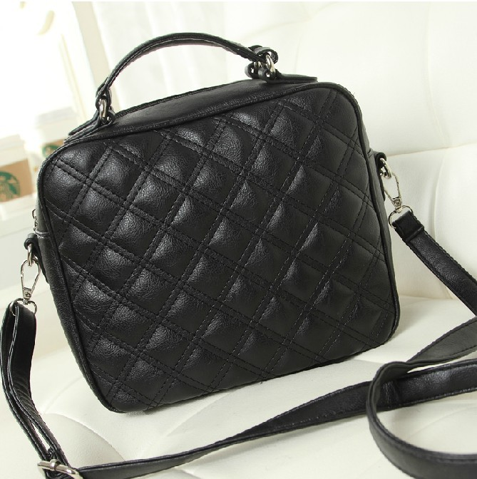 Quilted handbags 2014 spring and summer new small fragrant wind retro black ladies handbag shoulder bag women laptop bags(China (Mainland))