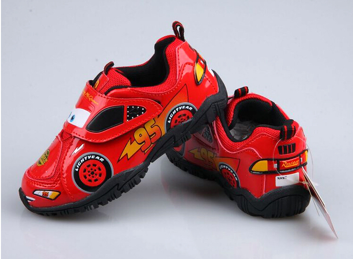 2015 new Children's shoes,boys 95 car-styling shoes,kids leisure shoes sneakers with wheels outdoor sport running shoes(China (Mainland))