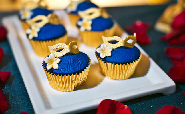 how to make gold cupcakes