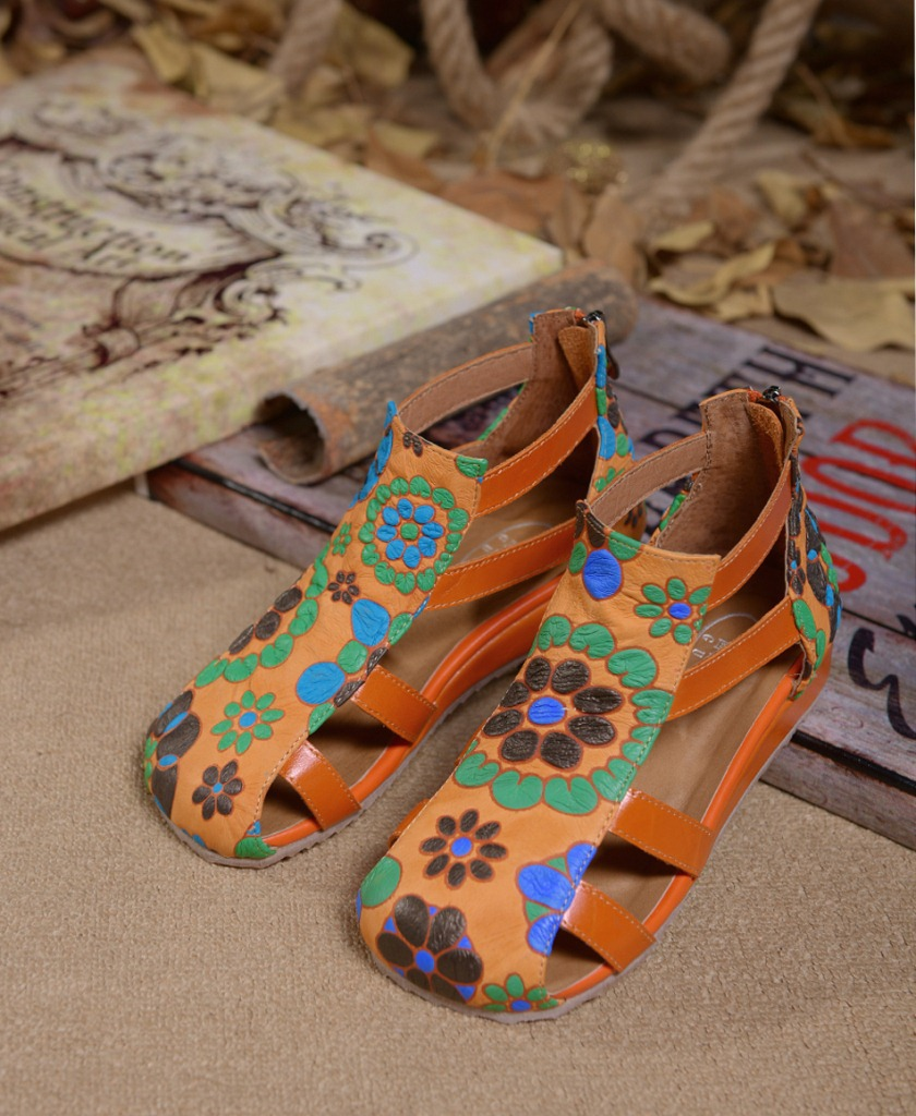 Фотография High quality handmade full grain leather shoes for women,sandals for summer casual style,flowers pattern