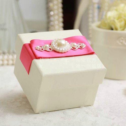 6.5*6.5*5 (cm) Free shipping 50pcs/lot pink ribbon wedding gift box HBN12(China (Mainland))