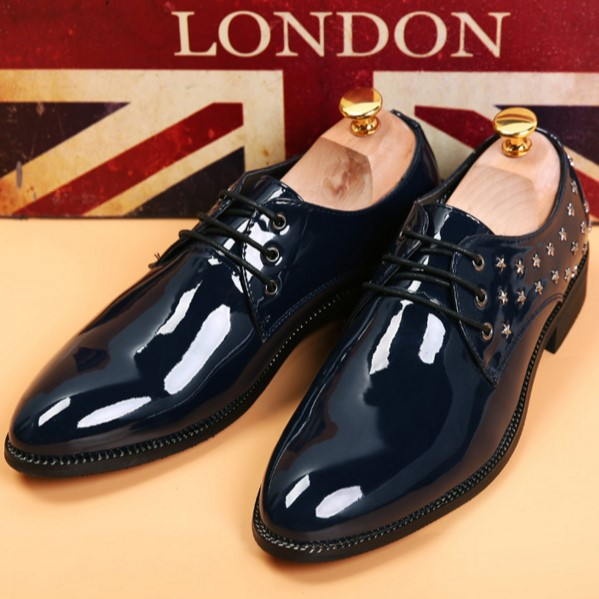 New Arrival Fashion Men Flats Genuine leather Oxfords shoes Pointed Toe Lace-Up Rivets British style Dress shoes 1.9<br><br>Aliexpress