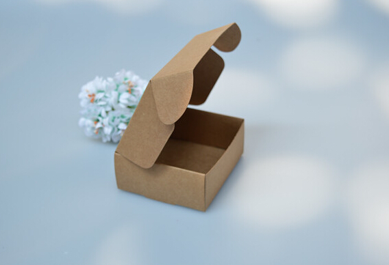 size: 6.2*6.2*3.2cm, paper gift box small , gift paper box , small box(China (Mainland))