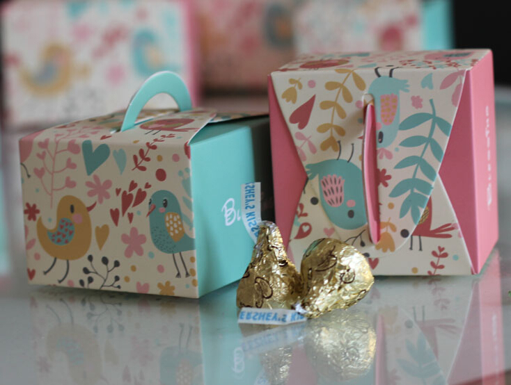 Free shipping 100pcs/lot Portable Candy Box Paper Box Lovely Bird Design Blue Pink(China (Mainland))