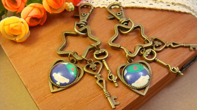 Soldier dome glass vintage Bronze alloy couple Key Chain Keychain Harajuku Key buckle Cartoon Cute funny lovers' gift fashion(China (Mainland))