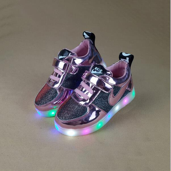 Осень и зима из светодиодов световой мальчиков обувь для девочек малыши обувь кроссовки из светодиодов детская обувь путешествий мальчиков девочки сапоги