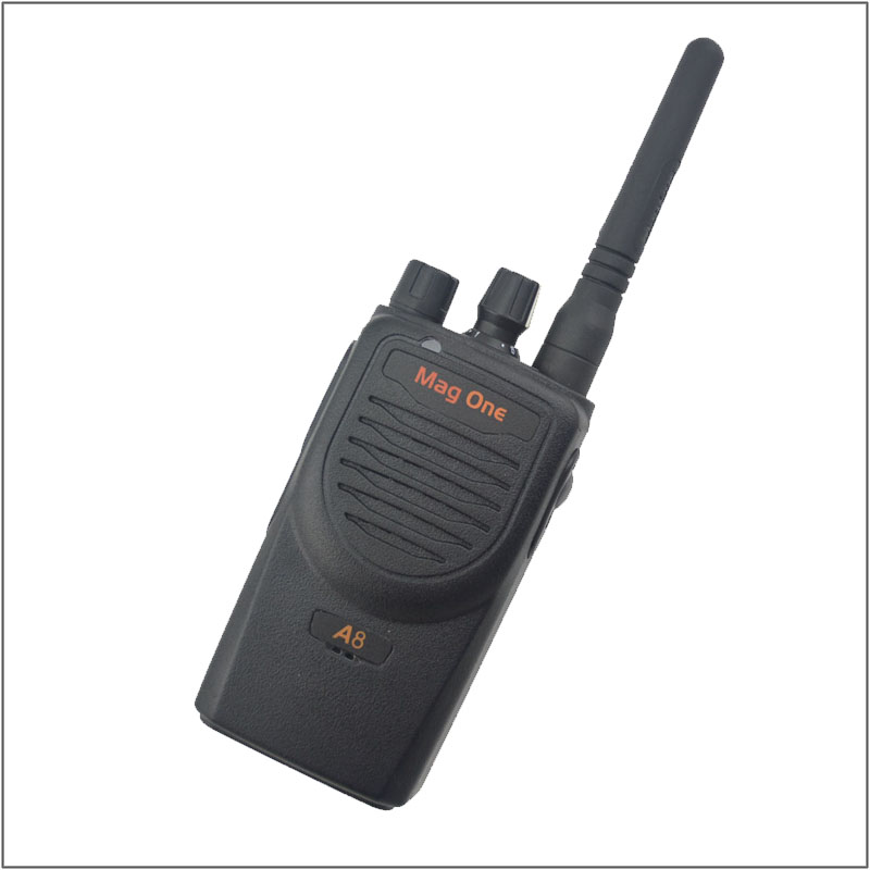 Walkie Talkie Mag One A8 VHF 136-150MHz 5W Portable Two-Way Radio handle interphone Ham CB radio Transceiver(for motorola)(China (Mainland))