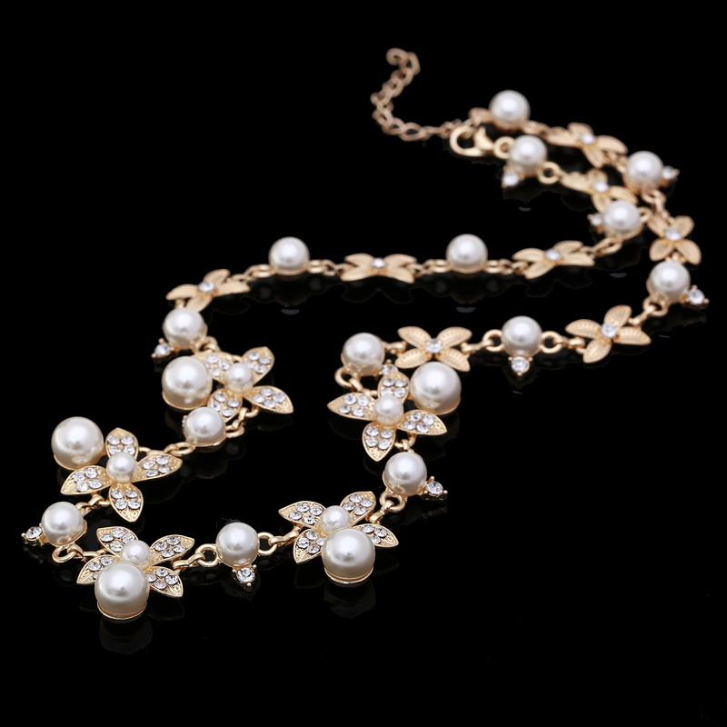 Sweet Long Imitate Pearl Necklace Bridal Jewelry Women Banquet All-match Beaded Crystal Leaf Collares Choker Collier Feminias(China (Mainland))