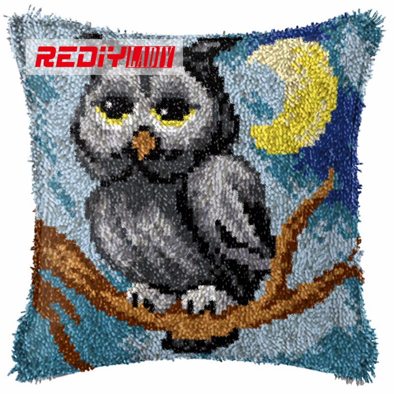 BZ801  LADIY Latch Hook Cushion Kit Yarn for Embroidery Cushion Cover Night Owl Pillow Case Crochet Cushion Decorative Pillow BZ801