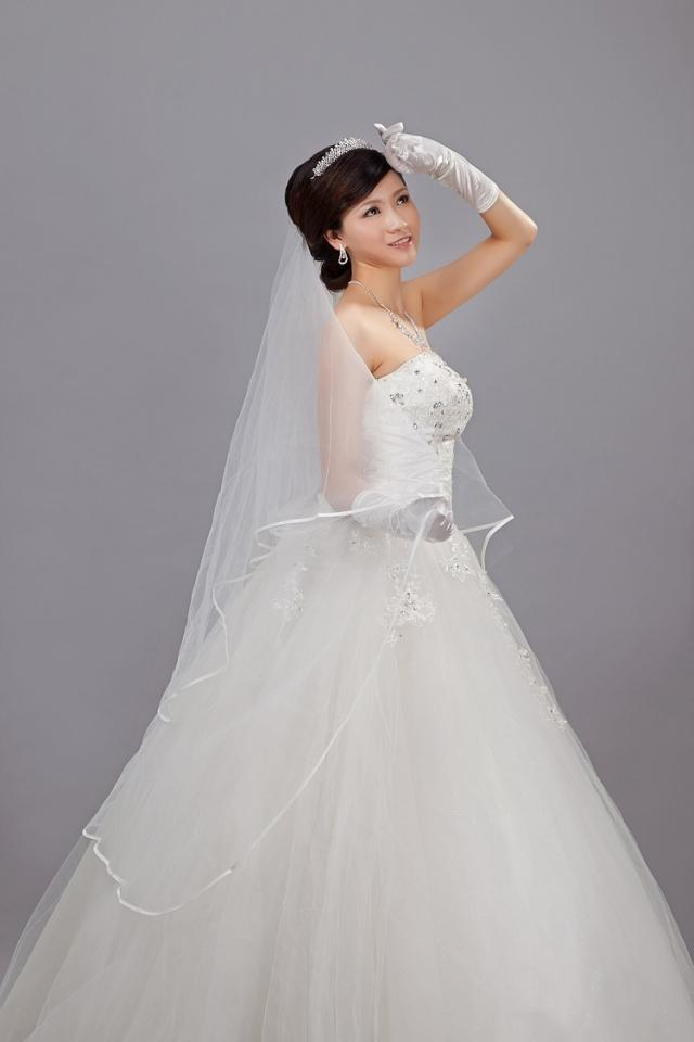 Free shipping hot sale wedding jewelry 3 m edge veil for Wedding dress with veil