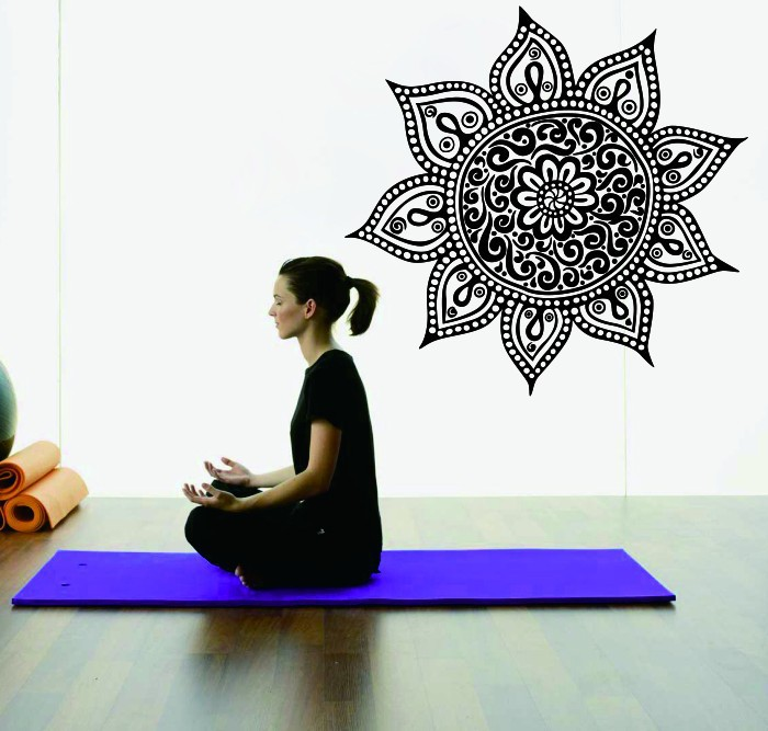 Yoga Mandala Om Indian Buddha Symbol Mehndi Wall Decal Home Decor Wall Sticker