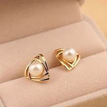 ER133 Hot fashion Imitation pearl Stud Earrings for woman jewelry(China (Mainland))
