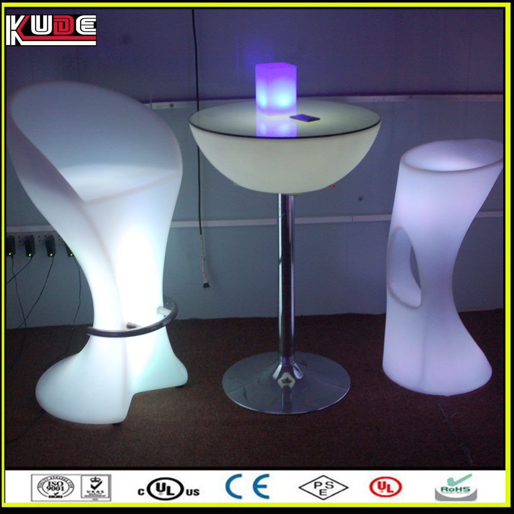 Modern plastic led cocktail table with tempered glass in for Cocktail tables led