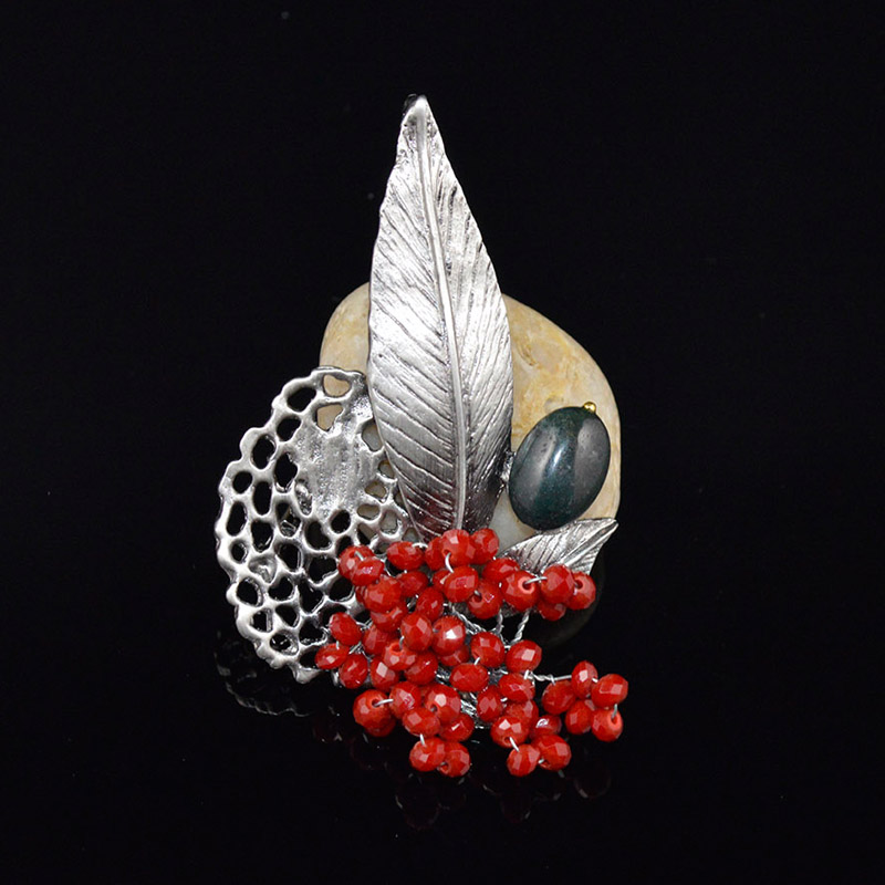2016 European style vintage jewelry for woman zinc alloy Red beads Leaf shape woman pin brooch(China (Mainland))