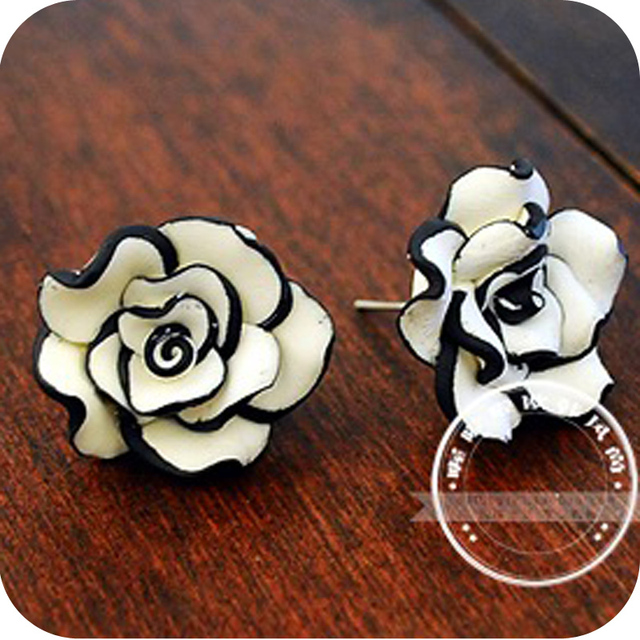 Min order is $10  brief  fashion black and white rose flower stud earring