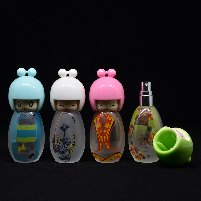 Hight Quality Girls 1 Pieces 20 ML Lovely Artwork Cute Girls Perfume Bottle Atomizer Cosmetic Refillable Travel Spray Bottles(China (Mainland))