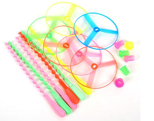lovely sky dancers toy flying saucer fly wheels toy flying toys bamboo dragonfly toys(China (Mainland))